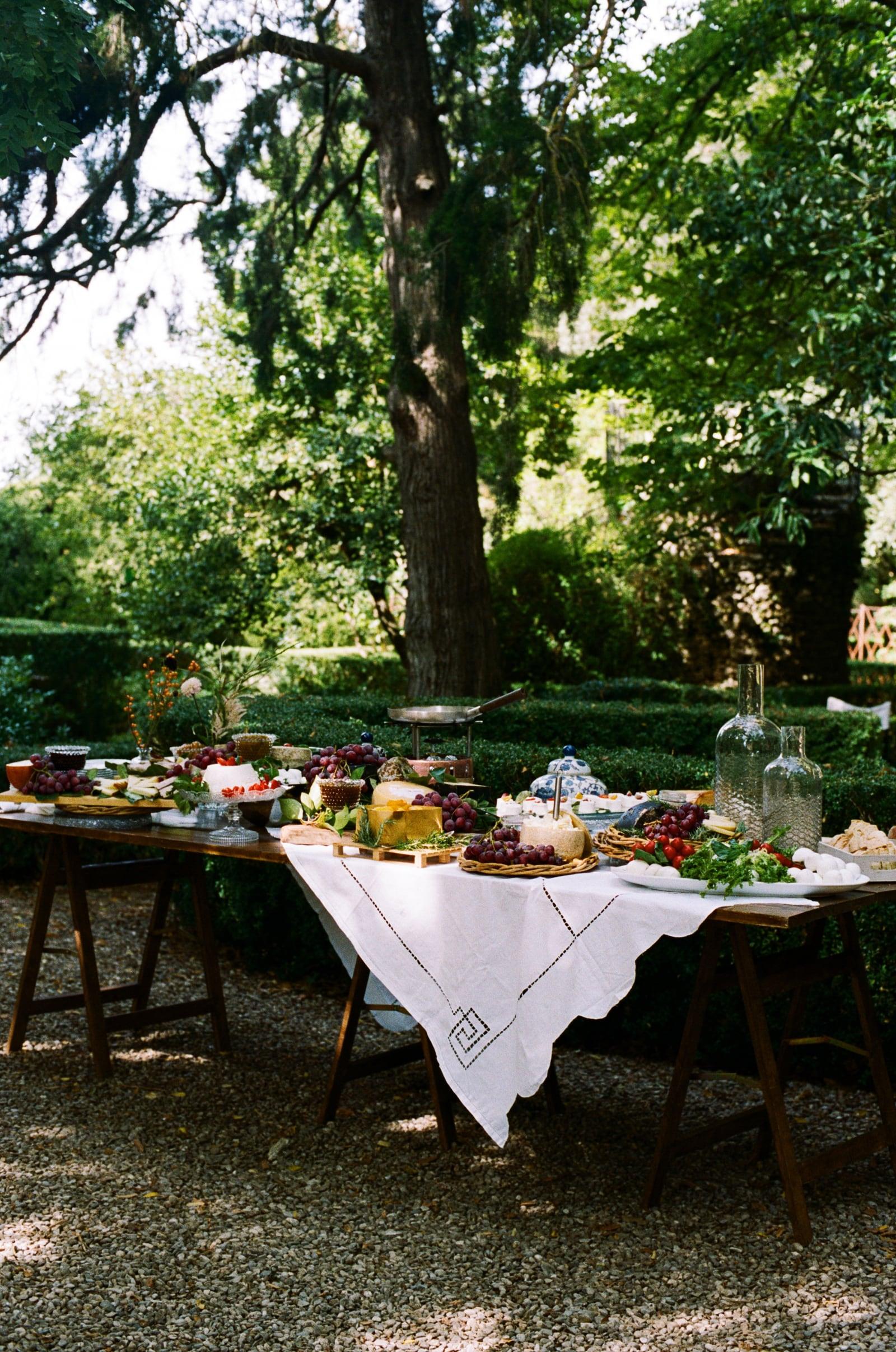 outdoor wedding in monteriggioni siena