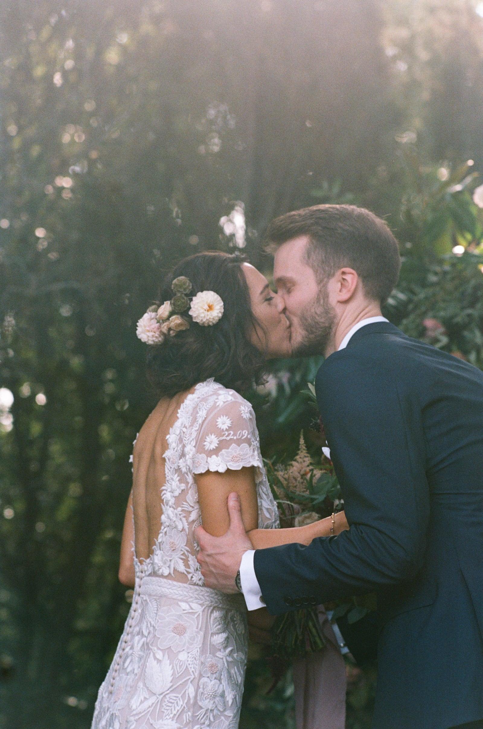 romantic wedding in monteriggioni siena
