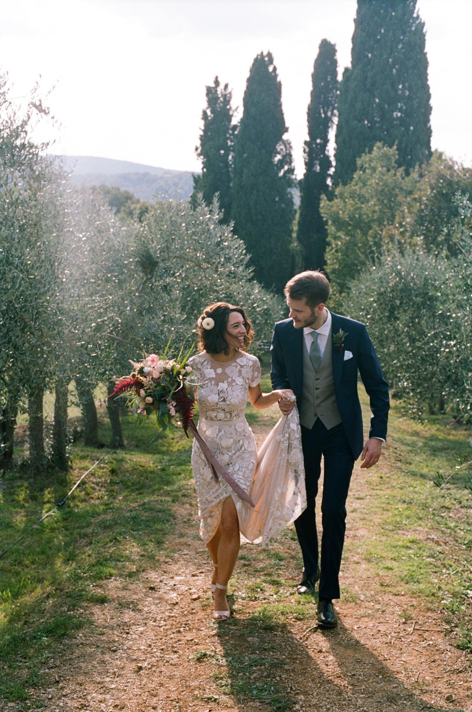 wedding in the countryside in monteriggioni siena